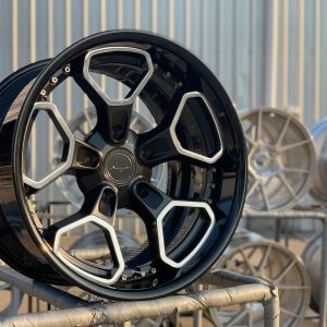 KT102 – CUSTOM TWO PC FORGED WHEEL